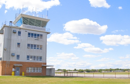 Timmermanairport-control tower.jpg
